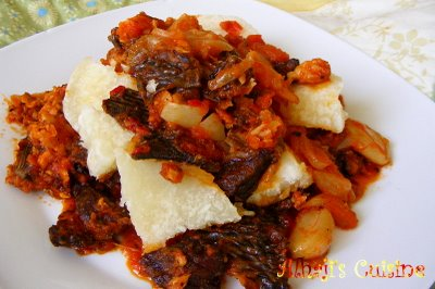 Boiled yam with fried stew