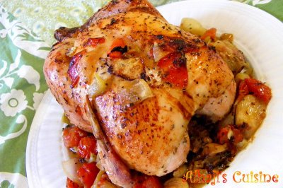 Sweet garlic, herbs & tomato-baked chicken